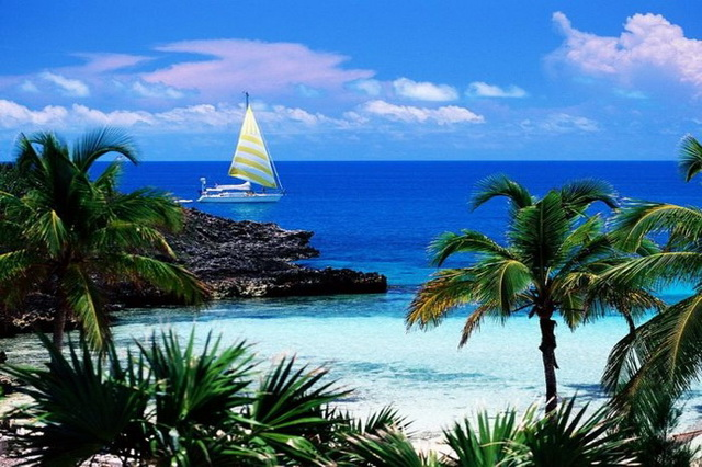 Yacht Charter in the Bahamas
