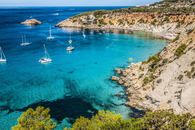 Yacht charter in the Balearic Islands