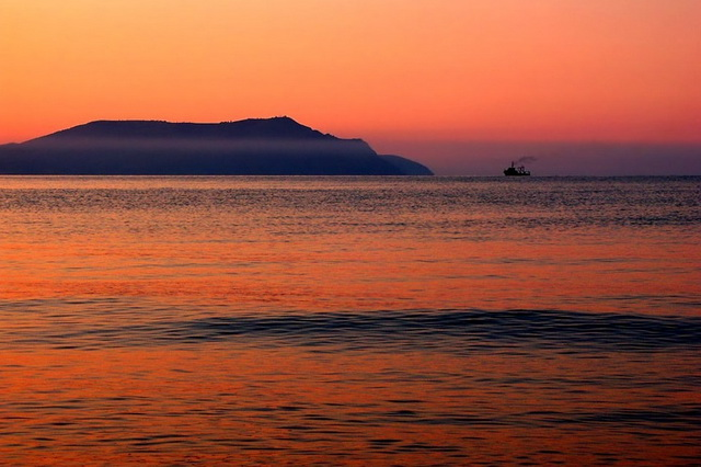 Мыс Меганом в Крыму - вид с моря