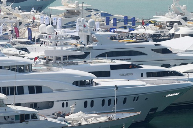 dubai-international-boat-show-06.jpg