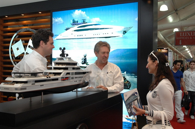 dubai-international-boat-show-07.jpg