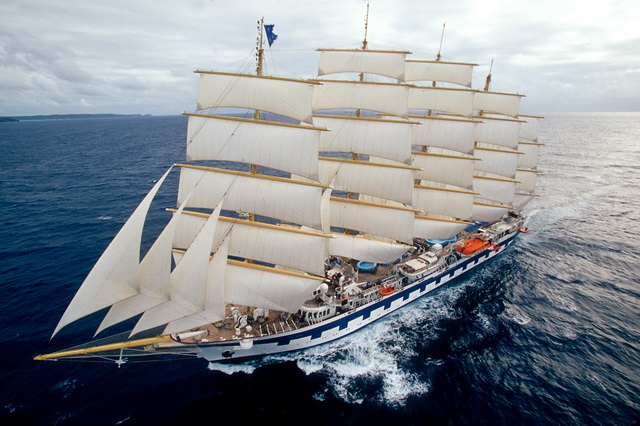 Парусник Royal Clipper