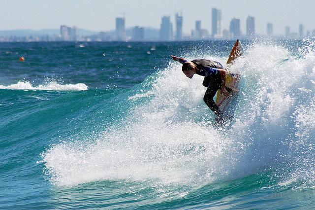 Серфинг и другие водные развлечения на пляжах Австралии